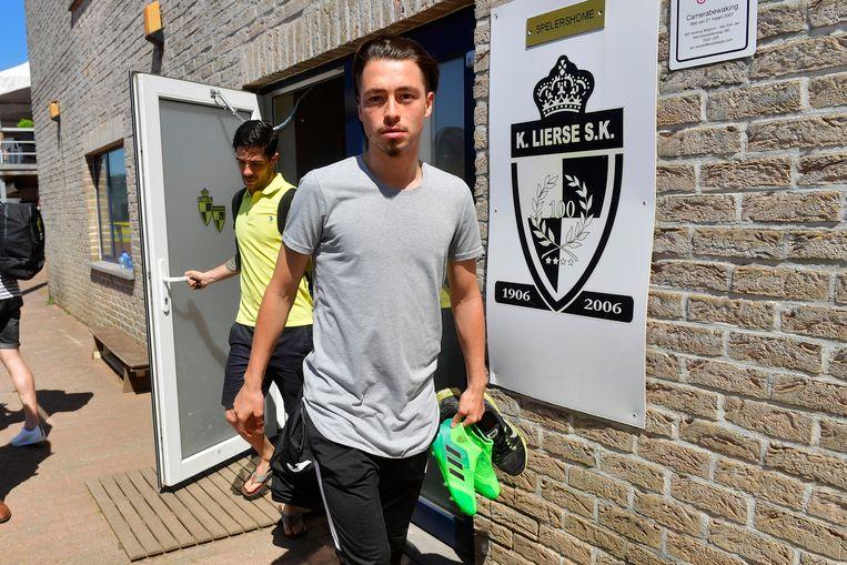 Joeri Poelmans bij het verlaten van het spelershome vanochtend.