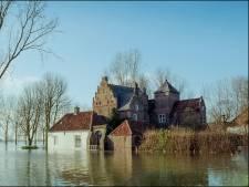 De bewoners van dit stukje Nederland krijgen (nog) geen geld als hun huis overstroomt. Zo zit dat