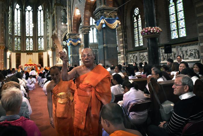 De Sint-Victor en Gezellenkerk in Afferden is in 2017 geopend en gewijd door de boeddhistische Dhammikaya-beweging uit Thailand.