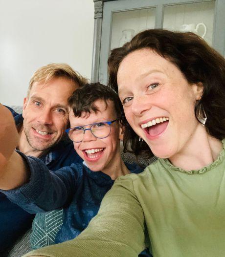 Maud gaat uitdaging aan: zoon Arje (12) met Williams Syndroom naar regulier voortgezet onderwijs in Apeldoorn