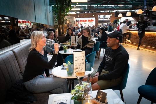 Foodhall Arnhem aan de Rijnkade.