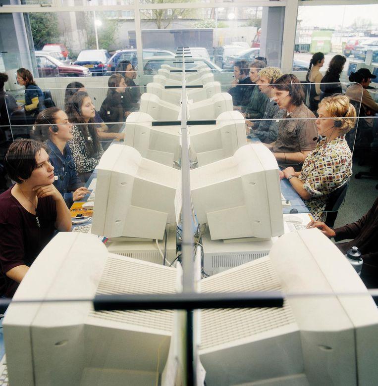 Enquêteurs van het NIPO in 1998. Beeld null