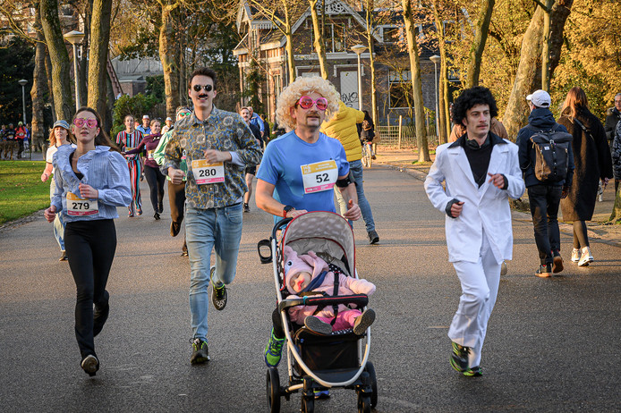 Movember Run in het Vondelpark.