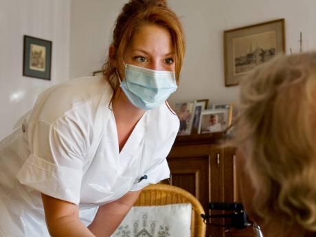 Besmettingen lopen op in deze Achterhoekse verzorgingstehuizen, mondkapje weer verplicht