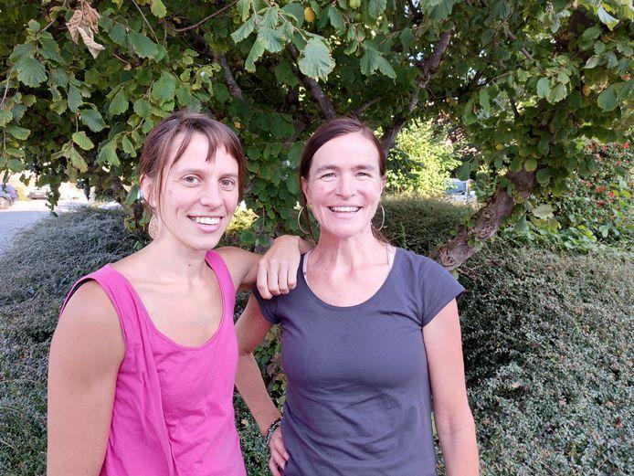In 2016 startten Ruth Kaesteker en Sofie Vanderhaeghe met vzw 't SchildPad om bij te dragen tot het emotioneel en mentaal welzijn van kinderen en jongeren in Poperinge