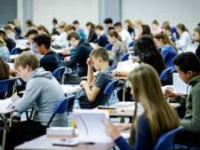 Leerlingen mogen examen verdelen over twee tijdvakken, krijgen extra herkansing