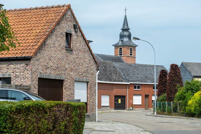 De gemeente Puurs-Sint-Amands koopt de woning op Voortstraat 12 om de kerkomgeving te versterken.