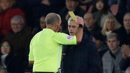 """Mourinho zorgt voor ophef in verlies tegen Southampton: """"Terecht geel, want ik was grof. Maar dan wel tegen een idioot"""""""