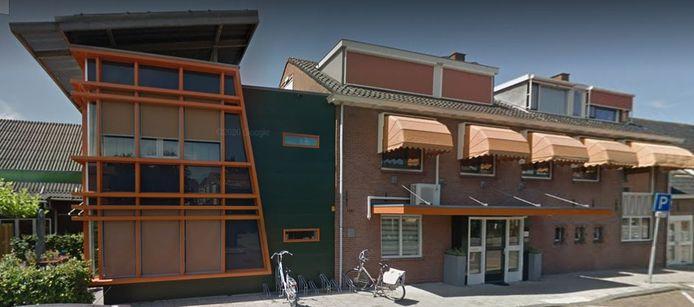 Het hospice in Spijkenisse is klein en verouderd.