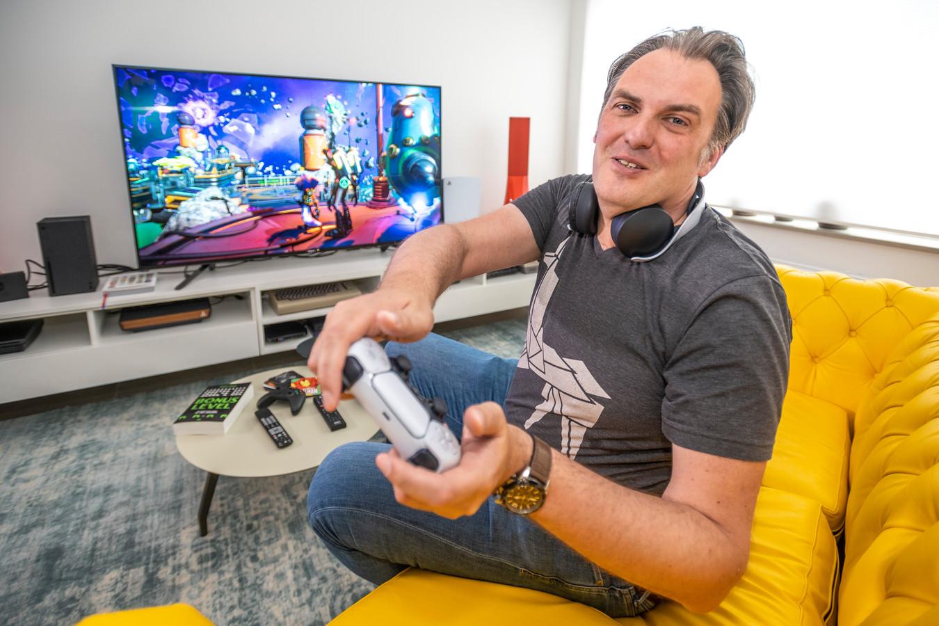 """""""Over twintig jaar krijgen games evenveel erkenning als films en boeken"""", maakt Ronald Meeus zich sterk."""