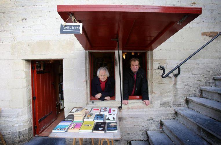 Willy Tibergien en Guido De Ville van 'het kleinste boekenwinkeltje'.