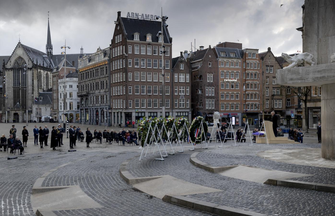 Koning Willem-Alexander en koningin Máxima tijdens de Nationale Dodenherdenking op de Dam.