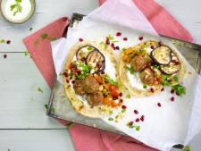 Wat Eten We Vandaag: Libanees platbrood met lamsgehaktballetjes en gekruide groenten