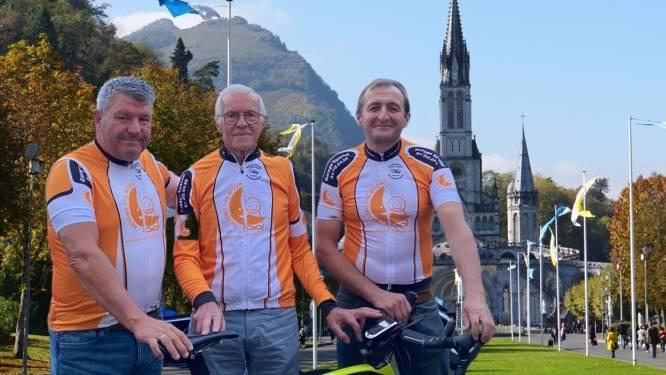 """84-jarige Nest fietst met twee kompanen naar Lourdes: """"Hopen dat centen voor het goede doel talrijk binnenrollen"""""""