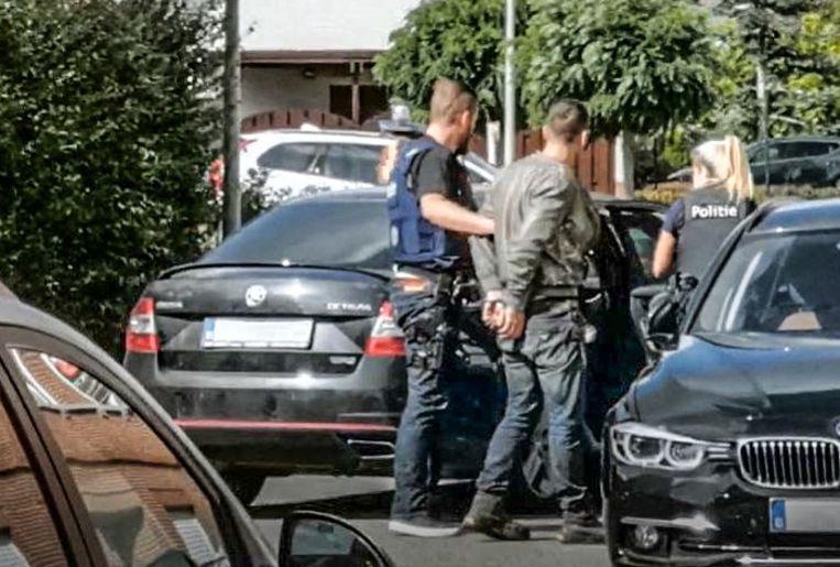 De politie sloeg de mannen woensdagvoormiddag in de boeien.
