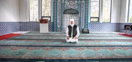 LIVE | Corona in de regio: Vrijdaggebed in moskee Zwolle gaat door, Deventer nu écht klaar met hangjeugd