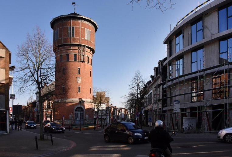 de watertoren in de warandestraat staat opnieuw te koop er is een vergunning om het