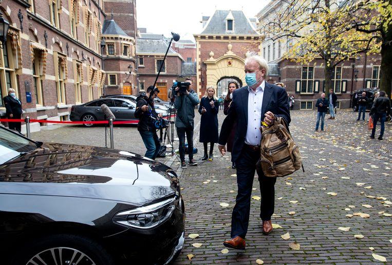 RIVM-directeur Jaap van Dissel verlaat het Binnenhof na crisisberaad met de ministers.  Beeld Hollandse Hoogte /  ANP