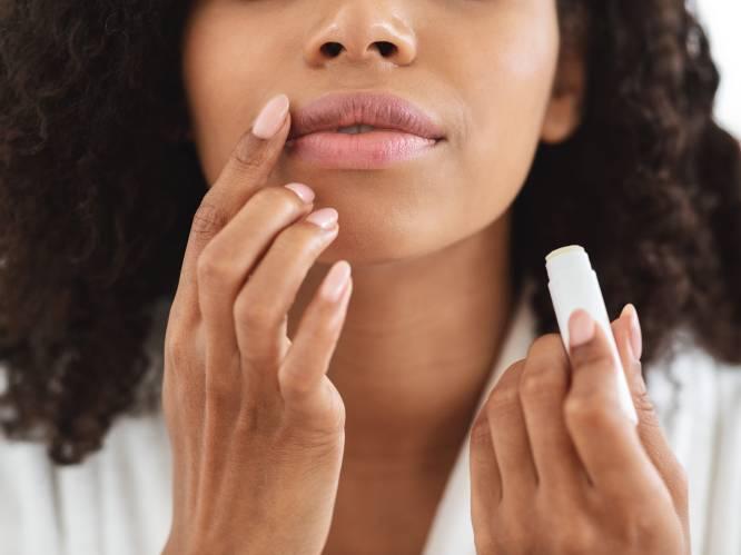 """""""Sommige lippenbalsems zijn gevaarlijk voor je gezondheid"""": hoe kies je wel de juiste uit?"""