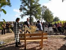 Indrukwekkende onthulling van oorlogsmonument in Deurningen: 'Het wordt stil in mij'