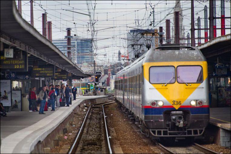 Het spoorverkeer van en naar Brussel-Zuid zal hinder ondervinden door de werken. Beeld photo_news