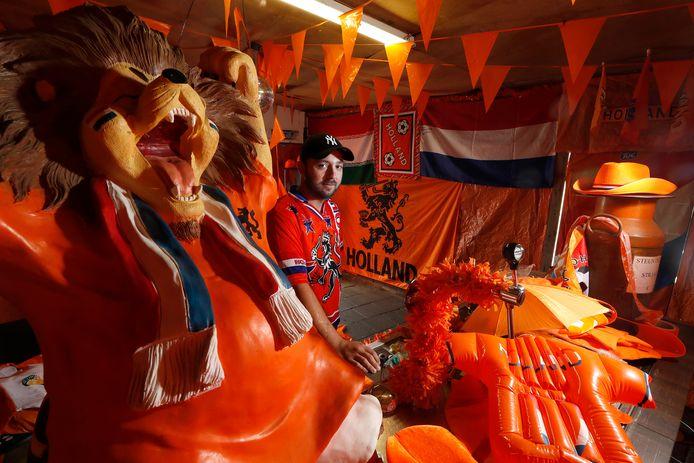Jeffrey Slotboom in het oranjemuseum in de Themansstraat