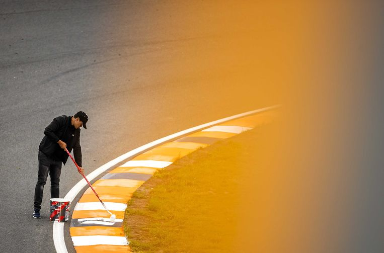 De opbouw voor de Formule 1 op Circuit Zandvoort.  Beeld ANP
