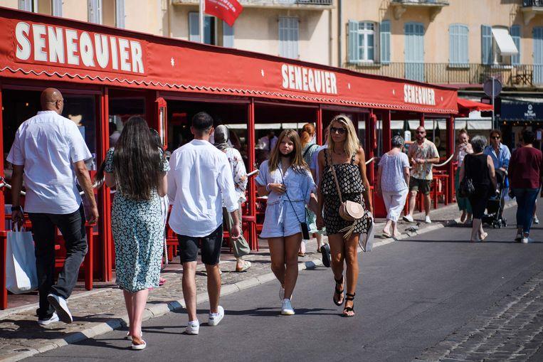 Toeristen in Saint-Tropez. Beeld AFP