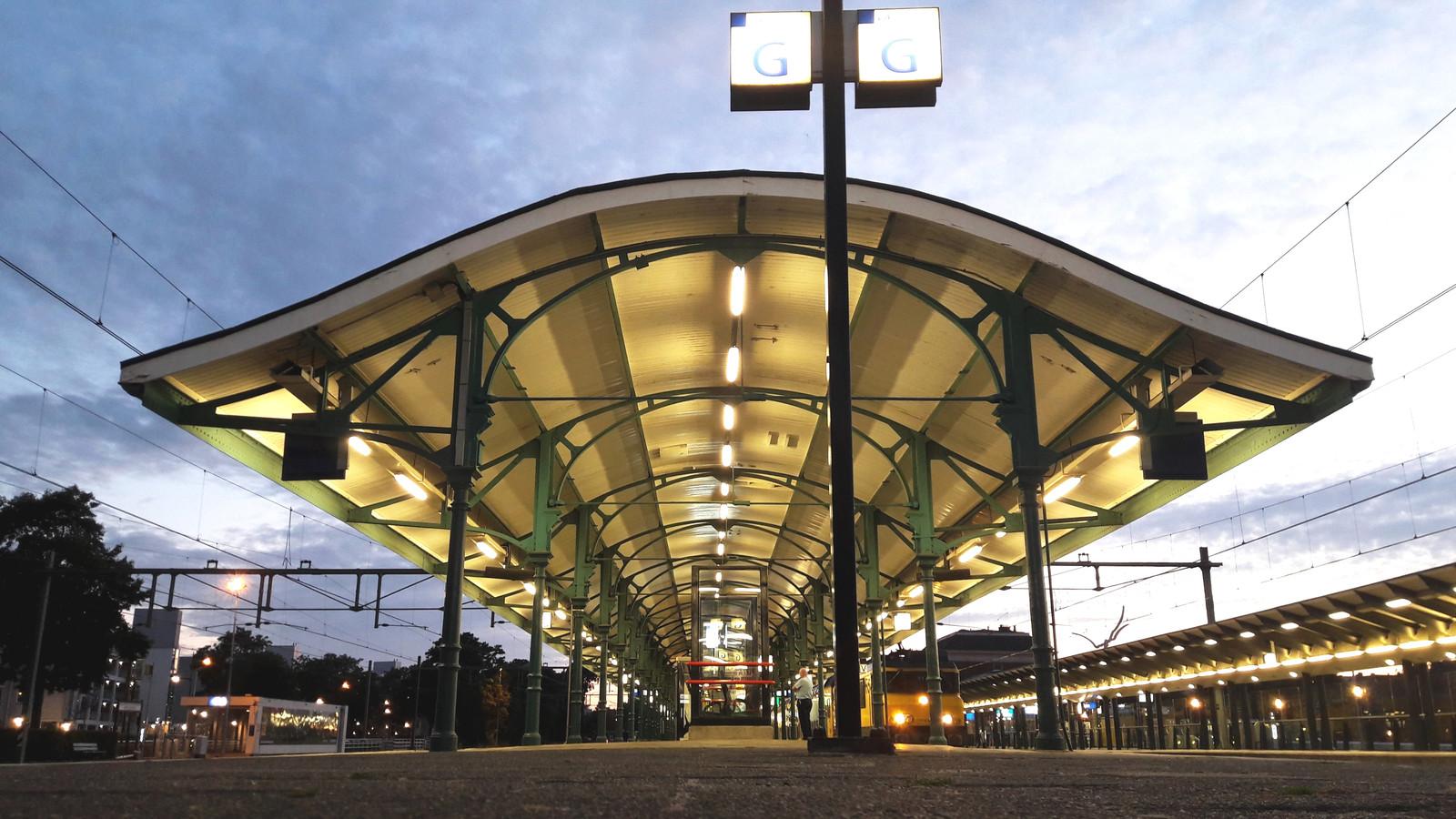 station apeldoorn nu nog met tl bakken straks met led verlichting