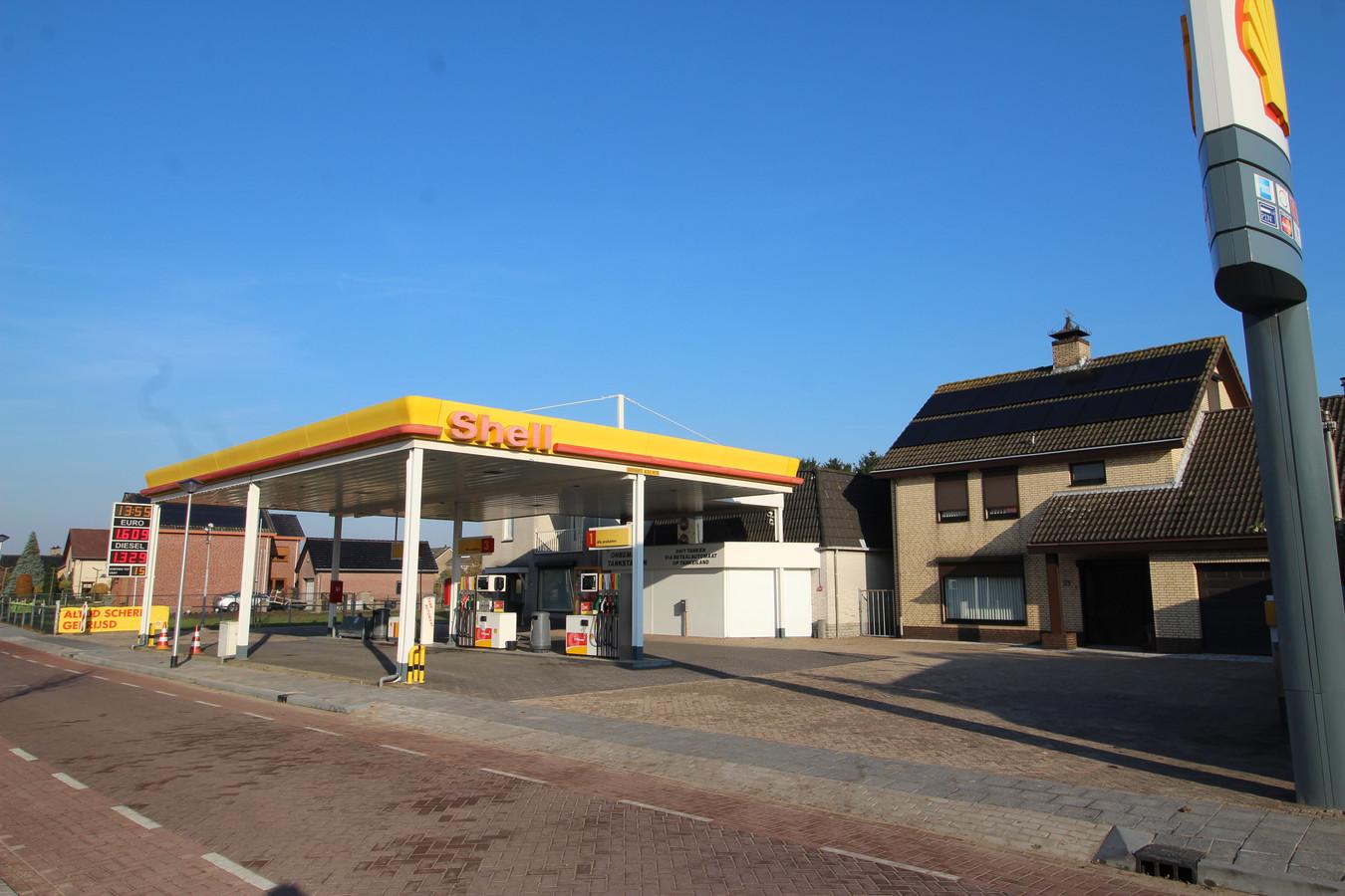 Het tankstation aan de Kaaistraat in St. Willebrord.