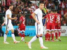 Voetbal Kort   Anderlecht nipt langs negen man Standard, Turkije maakt komst Kuntz officieel