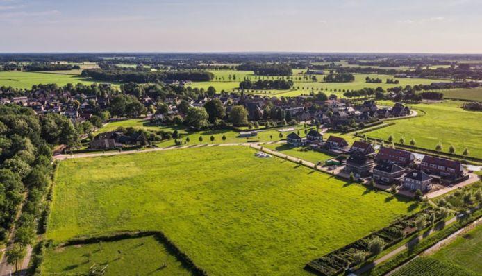 Op vier locaties in Salland laat SallandWonen prefab-woningen bouwen. Bijvoorbeeld hier in Broekland in nieuwbouwwijk Wijk 't Broeck.