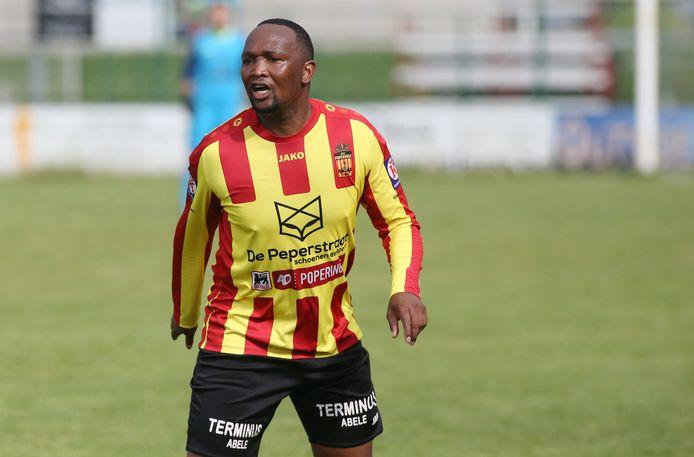 Vusumuzi Nyoni is de meest ervaren speler bij FC Poperinge.