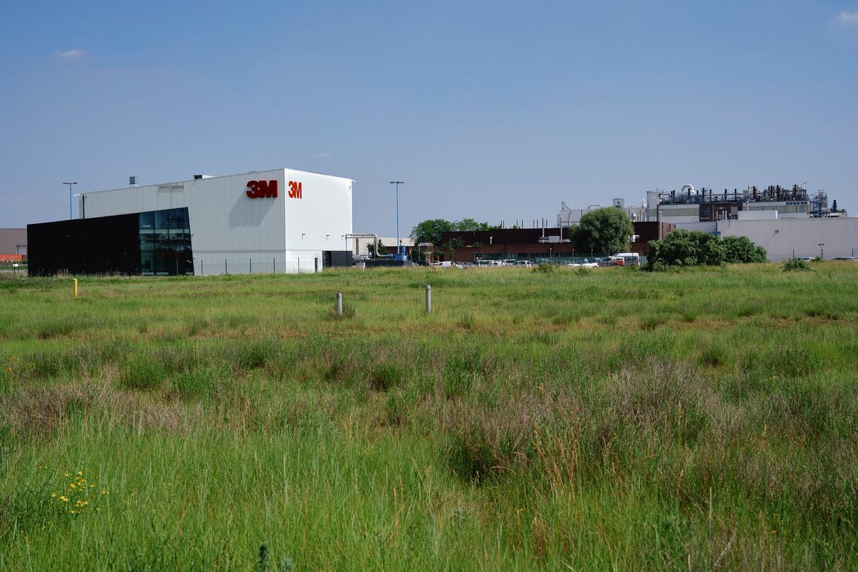 De fabriek van 3M in Zwijndrecht. Beeld Joris Casaer