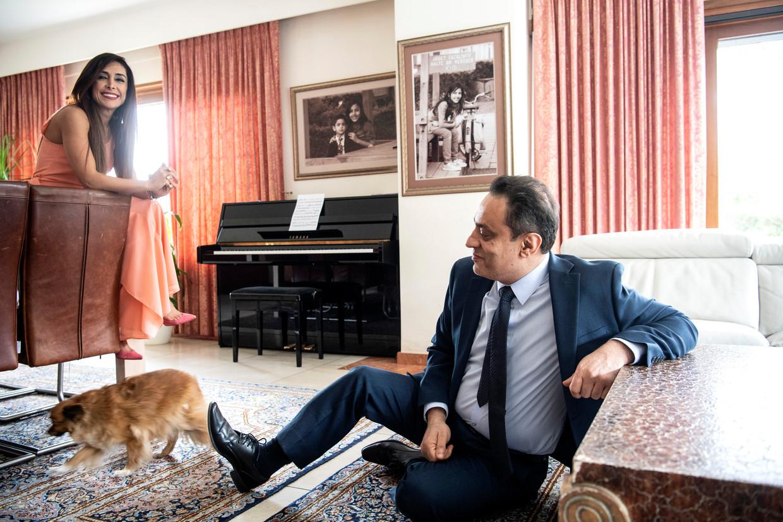'Ik hou zielsveel van mijn vrouw en respecteer al haar beslissingen – ook die om in de Belgische politiek te stappen. Ze is recht voor de raap: het is niet aan mij om haar iets te bevelen.' Beeld Saskia Vanderstichele