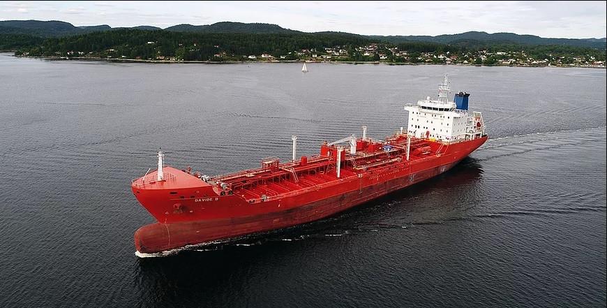 Olietanker Davide B van de Barendrechtse rederij De Poli Tankers.