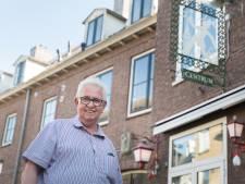 Uithangbord bij Wageningens oudste café blinkt als nooit tevoren