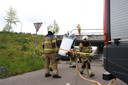 Bestelbus valt van brug bij Corridor in Veghel