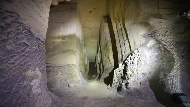 Politie treft 13 mensen aan in ondergrondse mergelgroeven tijdens controle: nodige pv's opgesteld