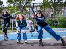 Monic lanceert petitie voor rolschaatsbaan in Nijmegen: 'Als ik sommige coronaskaters op de weg zie, hou ik m'n hart vast!'