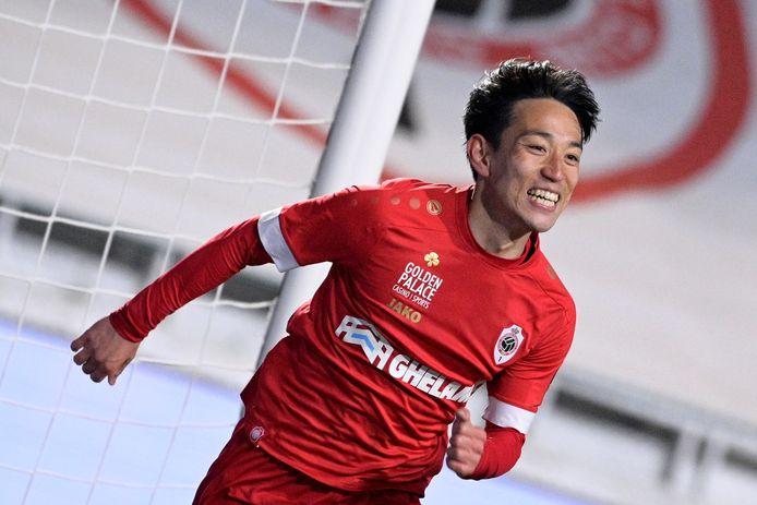 Koji Miyoshi was gisteren de vervanger van Refaelov en scoorde meteen.