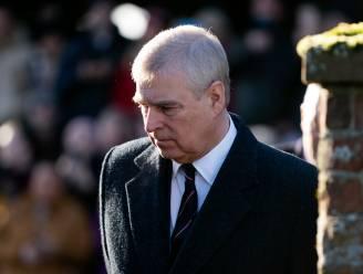 """Prins Andrew heeft kersverse kleindochter nog niet ontmoet omdat hij zich schuilhoudt: """"Hij durft Schotland niet te verlaten"""""""