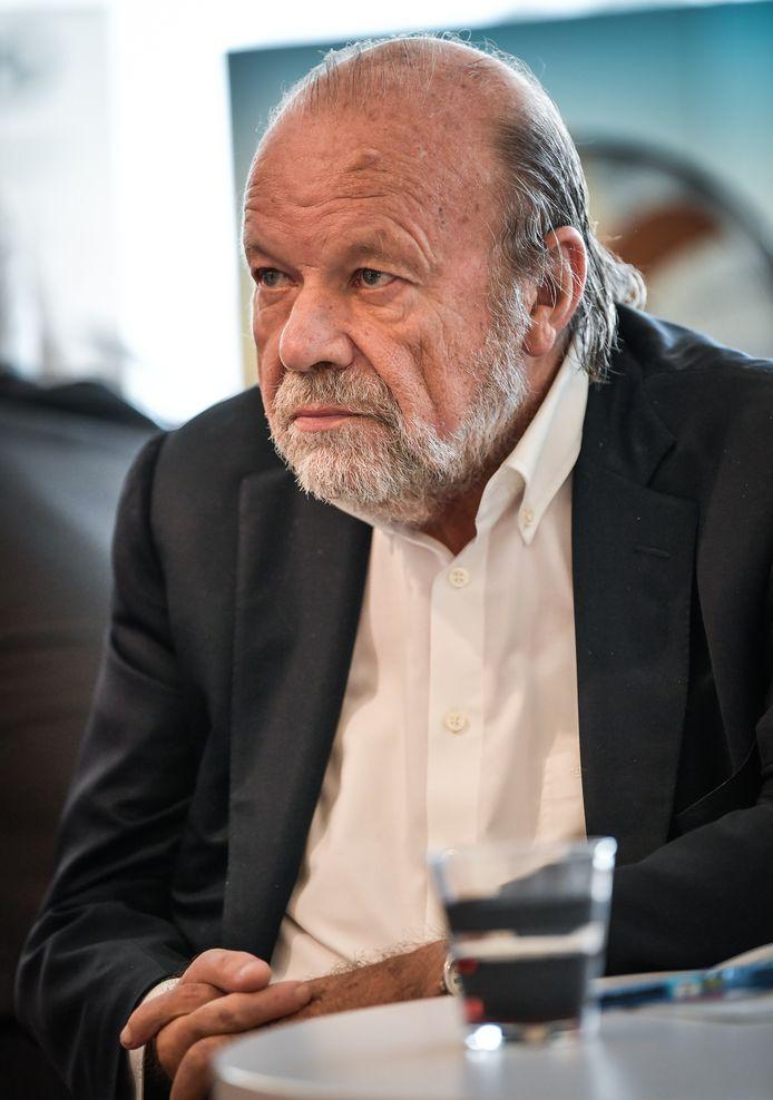 Hugo Camps, onze columnist
