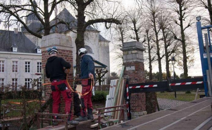 De zuil aan de Engelsche Hof aan de Abdij van Vlierbeek werd gerestaureerd.