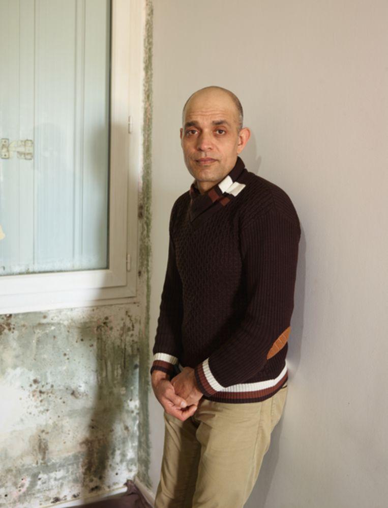 Rehman in Evreux: 'Mijn vader zei: ga naar een veilige plaats. Je wordt een probleem voor de hele familie.' Beeld Henk Wildschut