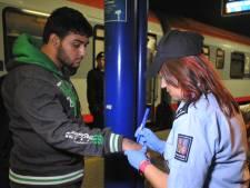 Des numéros sur les mains des migrants en République tchèque