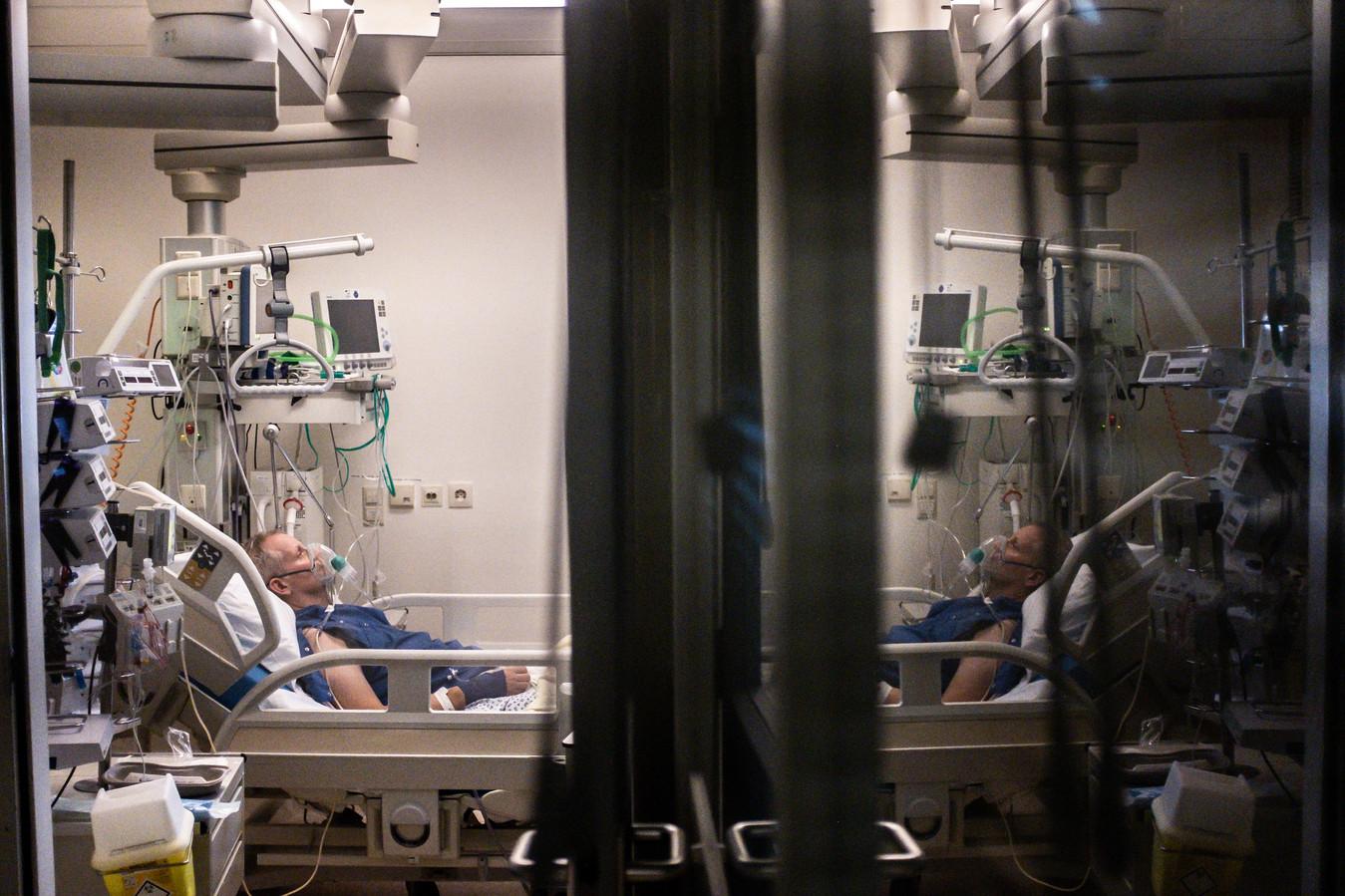 Ter illustratie: beeld van een COVID-19 patiënt op de IC.