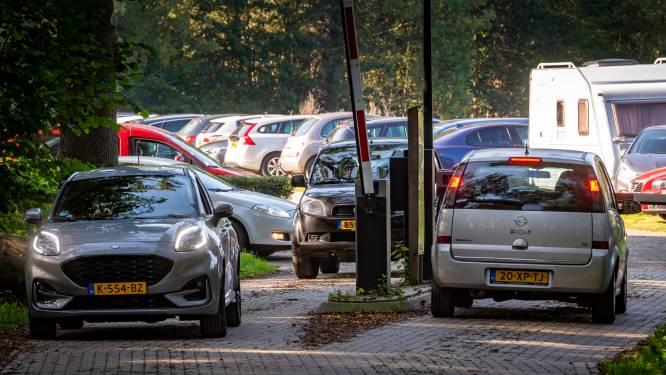 Liever parkeergeld betalen bij landgoed Hackfort in Vorden dan auto stallen aan de rand van de natuur