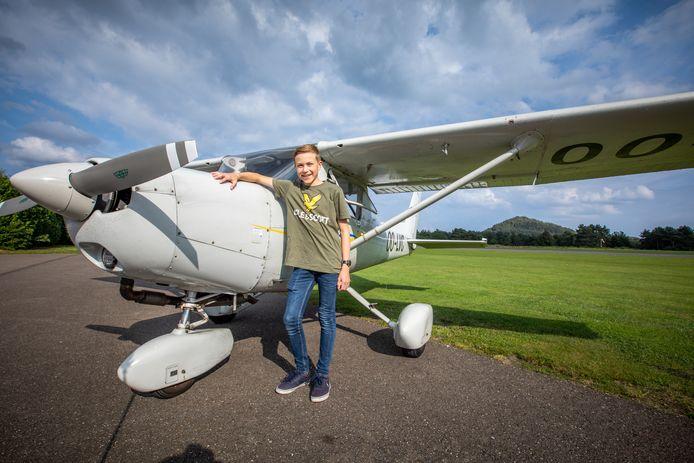 Daan Meuwis uit Hasselt vliegt al solo op zijn vijftiende, en is daarmee één van de jongste piloten van ons land.