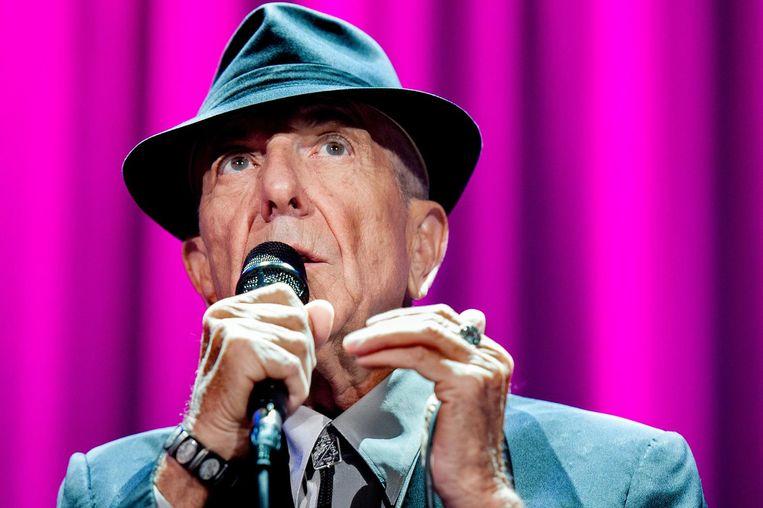 De Canadese zanger Leonard Cohen tijdens een optreden vrijdag in de Ziggo Dome. Beeld anp